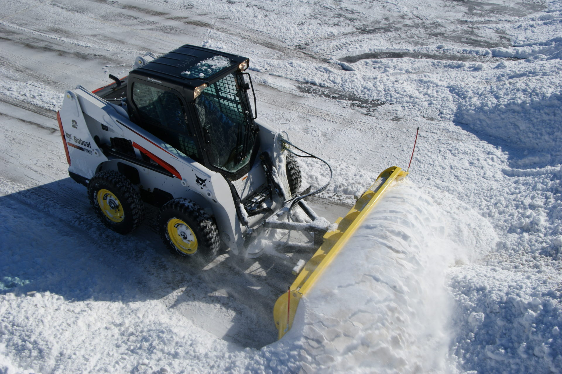 Which Skid Steer Should You Buy for Snow Removal? – SnowWolf